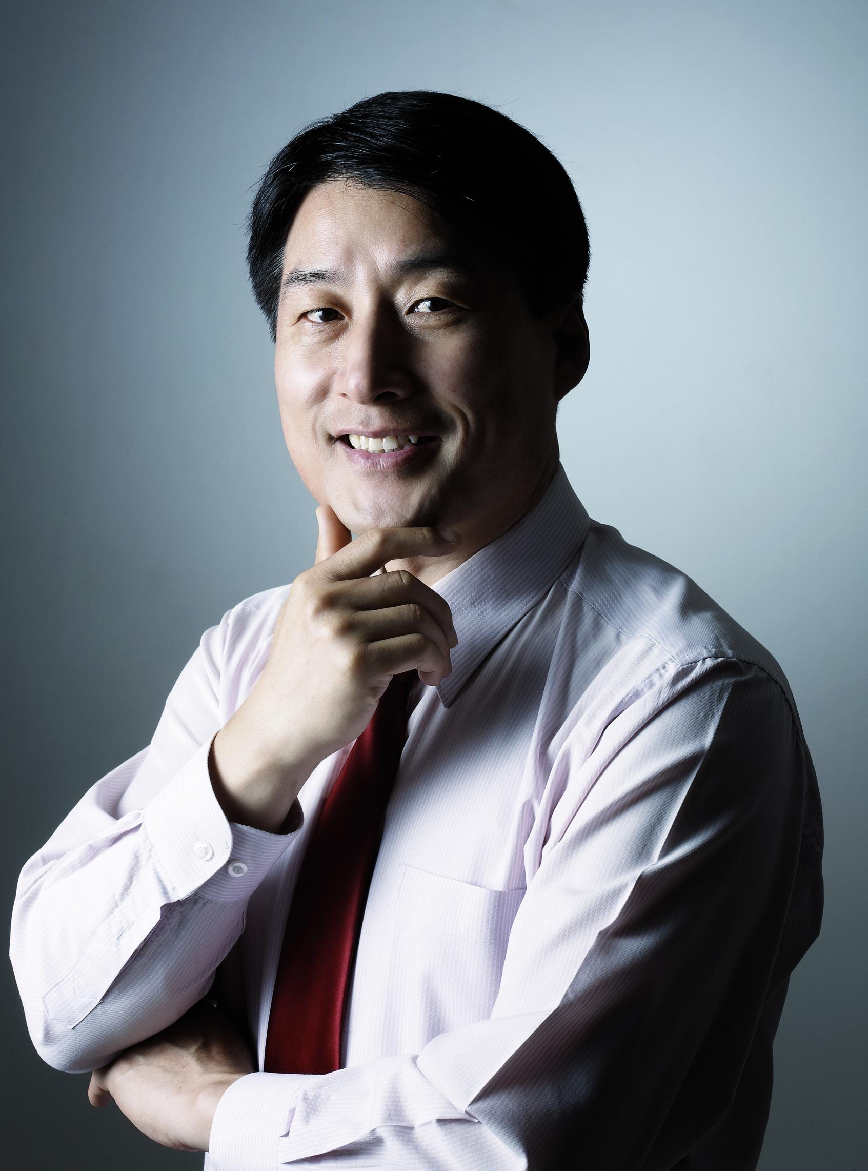 김창룡교수님-프로필사진.jpg