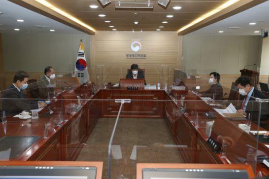 (사진) KBS2TV·SBS 조건부 3년 재허가.jpg