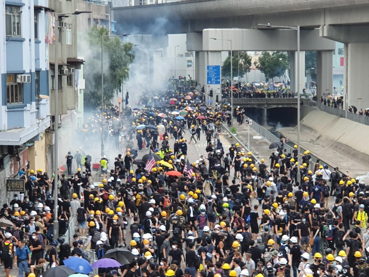 홍콩, 20세기 제국과 21세기 제국 사이에 놓이다 (사진 2).jpg