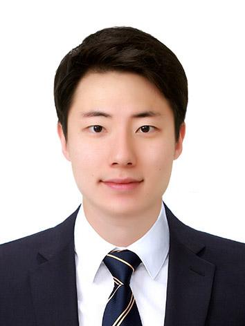 김희건 증명사진.jpg